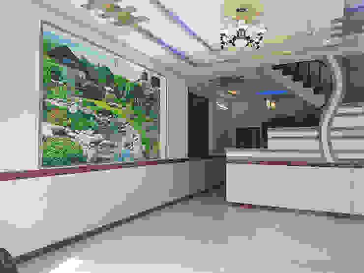 Màu sơn và gạch ốp trang nhã. Phòng khách phong cách châu Á bởi Công ty TNHH TK XD Song Phát Châu Á Đồng / Đồng / Đồng thau