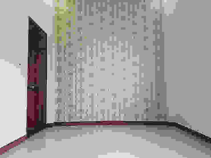 Nhà Ống 2 Tầng Mái Thái 95m2 Thiết Kế Rộng Rãi Phòng học/văn phòng phong cách châu Á bởi Công ty TNHH TK XD Song Phát Châu Á Đồng / Đồng / Đồng thau