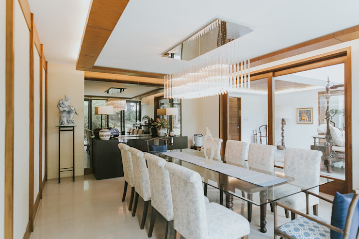 D House Eclectic style dining room by Living Innovations Design Unlimited, Inc. Eclectic