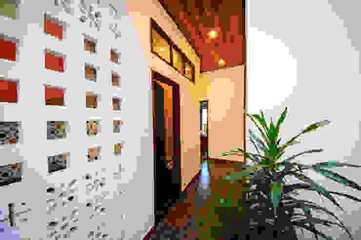 Ngôi Nhà Biến Đổi Bất Ngờ Sau Khi Được Cải Tạo Chỉ Với 350 Triệu Phòng ngủ phong cách hiện đại bởi Công ty TNHH Xây Dựng TM – DV Song Phát Hiện đại