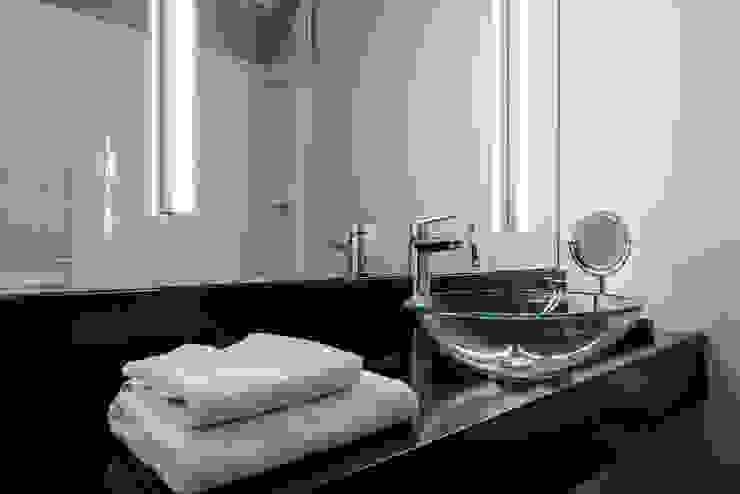 Duschbad einer Gästewohnung Klassische Badezimmer von Ohlde Interior Design Klassisch