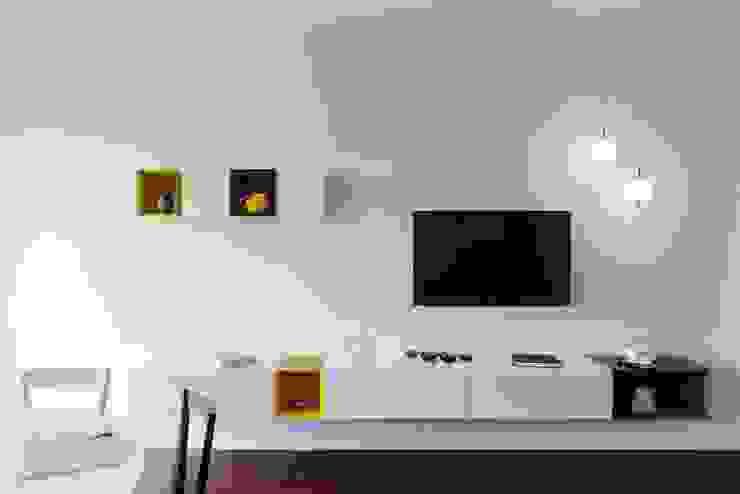 10 Idee Moderne per Inserire la Televisione in Soggiorno