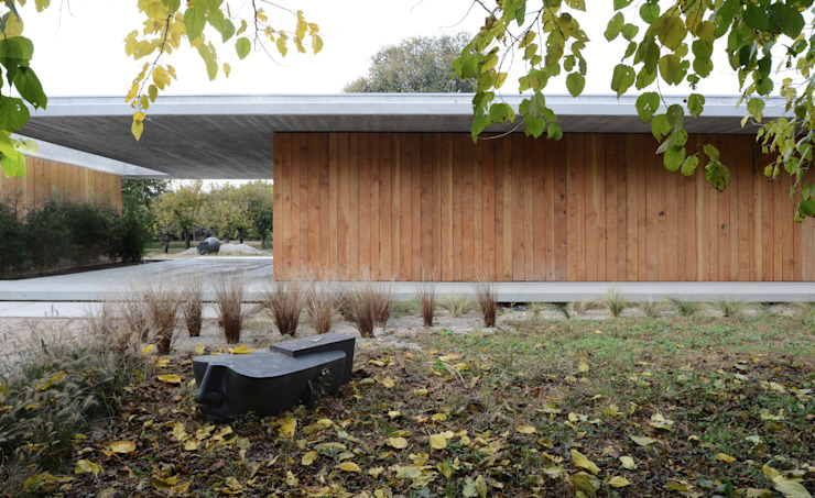 058_VILLA IN CAMPAGNA Spogliatoio moderno di MIDE architetti Moderno