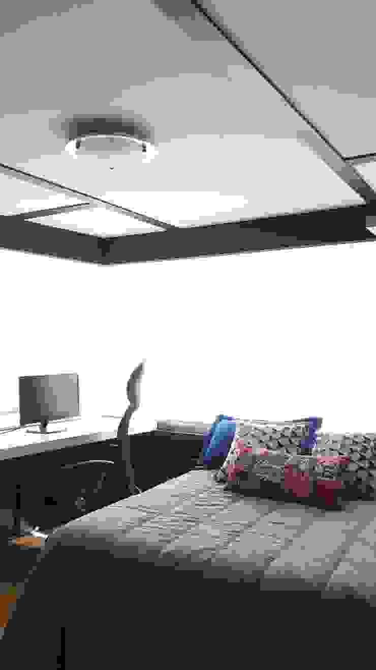 Habitación juvenil:  de estilo industrial por TICKTO STUDIO, Industrial