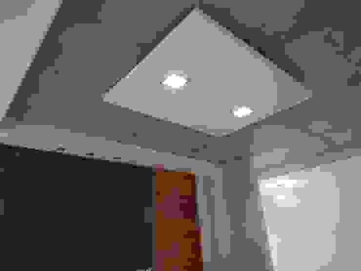 Casa M-25 de Estudio D3B Arquitectos Moderno Aluminio/Cinc