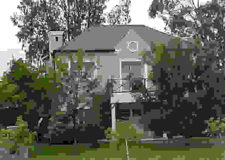 Casa ML de Estudio D3B Arquitectos Clásico Ladrillos