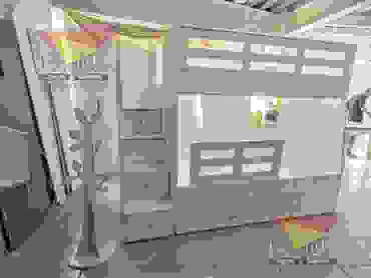 Practica y elegante litera triple de camas y literas infantiles kids world Moderno Derivados de madera Transparente