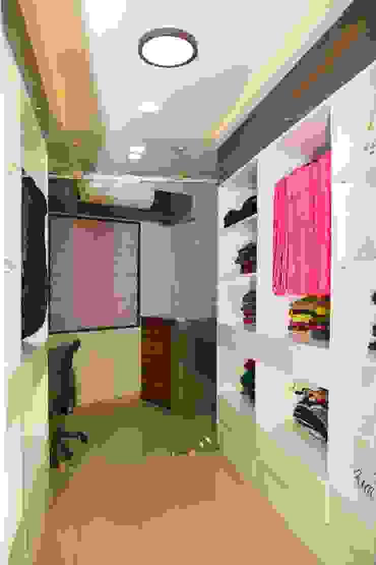 Mrs. Rama Vaidyananath Modern study/office by Aesthetica Modern