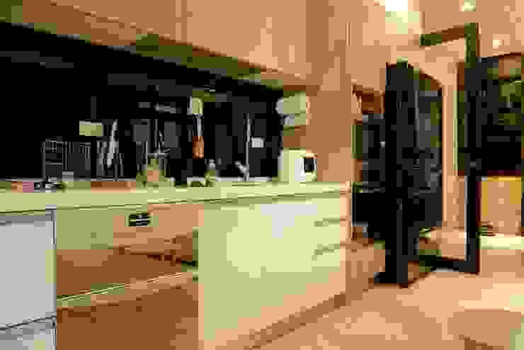 Kitchen by 喬克諾空間設計