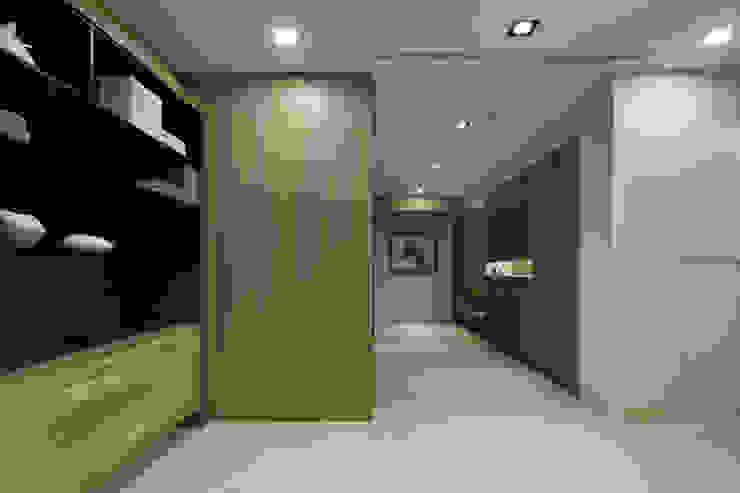 人文自然派的no.229舍-場景-客廳 隨意取材風玄關、階梯與走廊 根據 喬克諾空間設計 隨意取材風