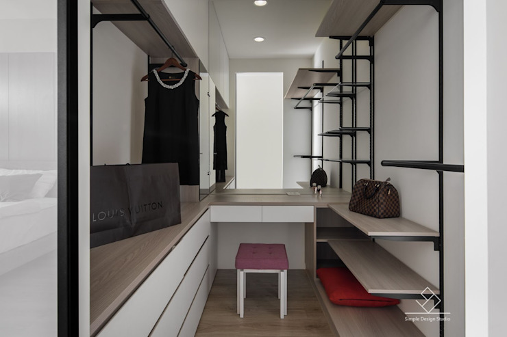 Walk in closets de estilo escandinavo de 極簡室內設計 Simple Design Studio Escandinavo