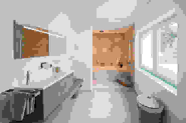 Axel Fröhlich GmbH Modern Bathroom