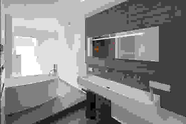 Baños modernos de Axel Fröhlich GmbH Moderno