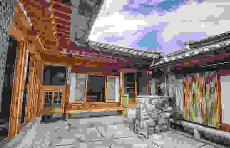 Vườn phong cách châu Á bởi 참우리건축 Châu Á