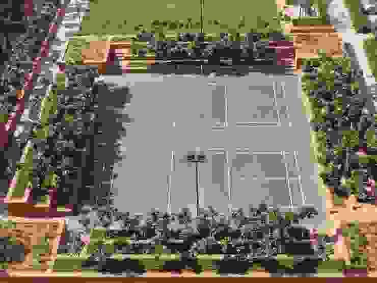 Tennis courts Modern garden by NMP Design Modern