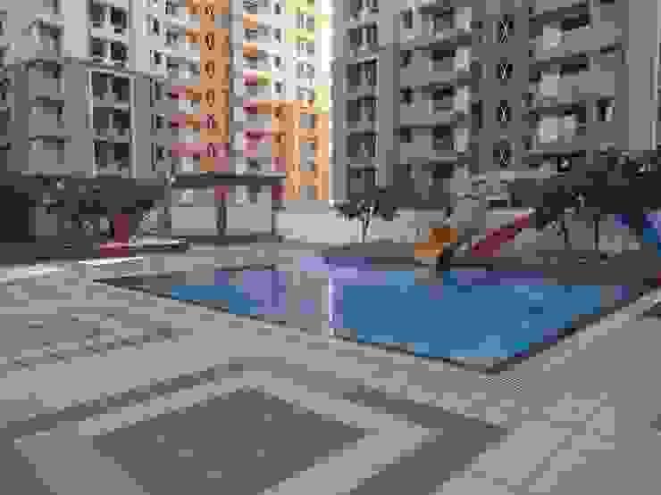Swimming pool for kids Modern garden by NMP Design Modern
