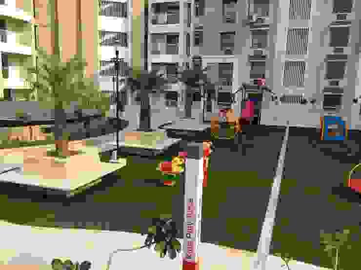 Kids play area Modern garden by NMP Design Modern