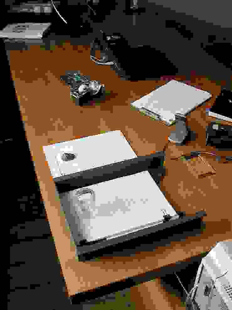 schüller.innenarchitektur Study/officeDesks Wood Brown
