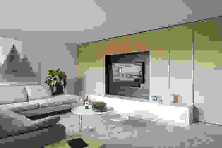 Zithoek met wandkast Moderne woonkamers van De Nieuwe Context Modern Hout Hout
