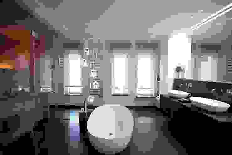 Wellness zu zweit:  Badezimmer von AID-Studio