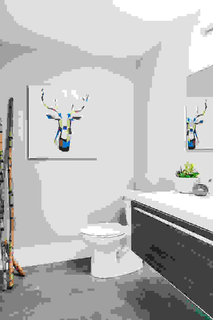 Modern bathroom Modern bathroom by Frahm Interiors Modern