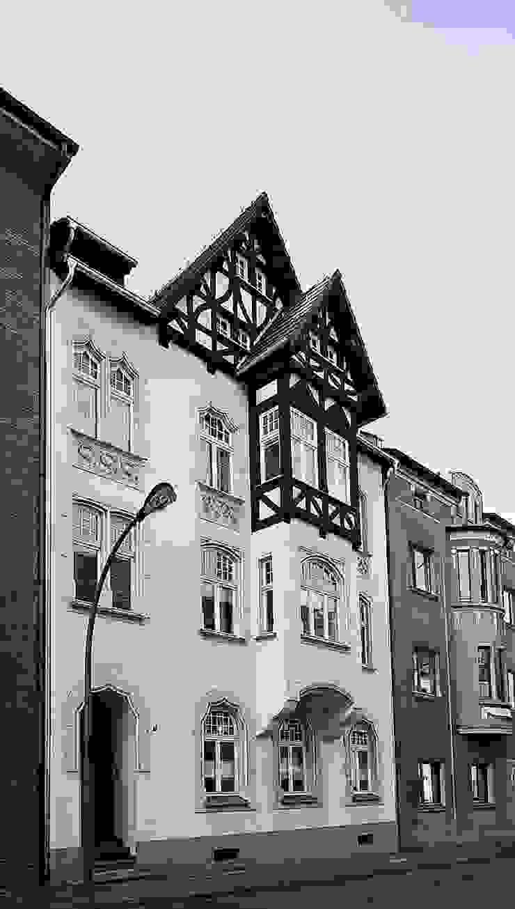 Casas de estilo clásico de schüller.innenarchitektur Clásico Ladrillos