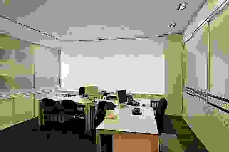 Beratung Moderne Bürogebäude von schüller.innenarchitektur Modern Holz Holznachbildung