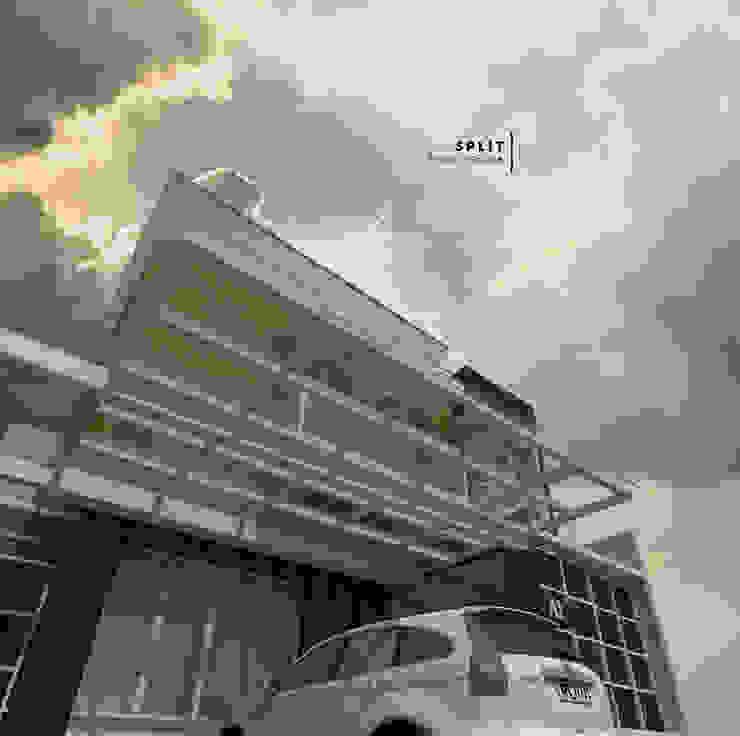 Carport Dengan Atap Kaca Oleh CASA.ID ARCHITECTS Rustic