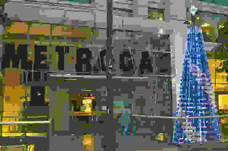 Árbol de Navidad Metrogas 2016 de Tetralux Arquitectos Ecléctico