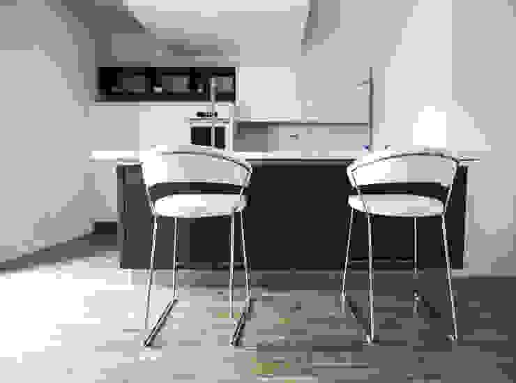 Kitchen Cucina minimalista di Domenico Architetto Moschetto Minimalista