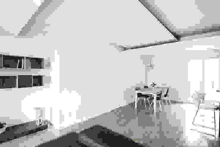 Living Room Soggiorno minimalista di Domenico Architetto Moschetto Minimalista
