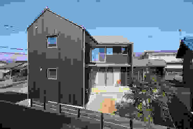 南面外観 芦田成人建築設計事務所 北欧風 家 木 ブラウン