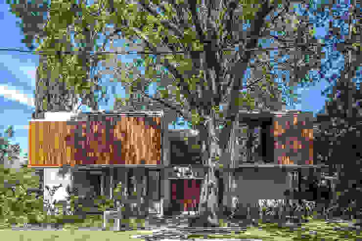 Casas unifamiliares de estilo  por Besonías Almeida arquitectos, Moderno Concreto