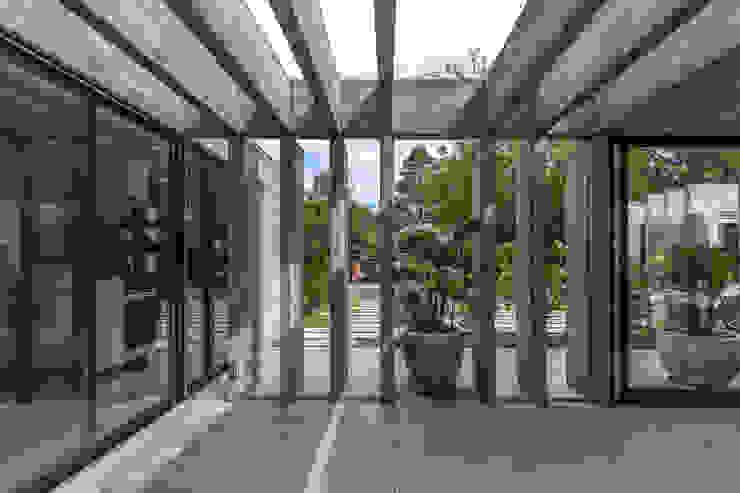 de Besonías Almeida arquitectos Moderno Concreto