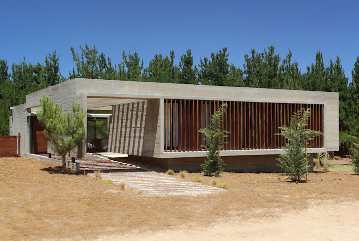 Minimalist houses by Besonías Almeida arquitectos Minimalist Concrete