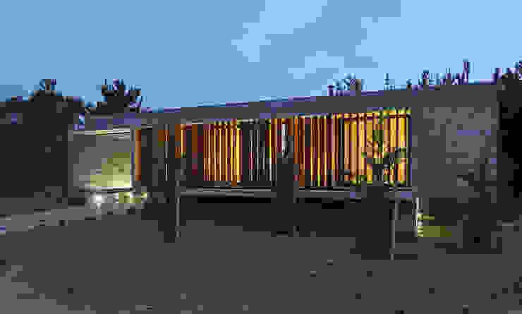 Casas de estilo minimalista de Besonías Almeida arquitectos Minimalista Concreto