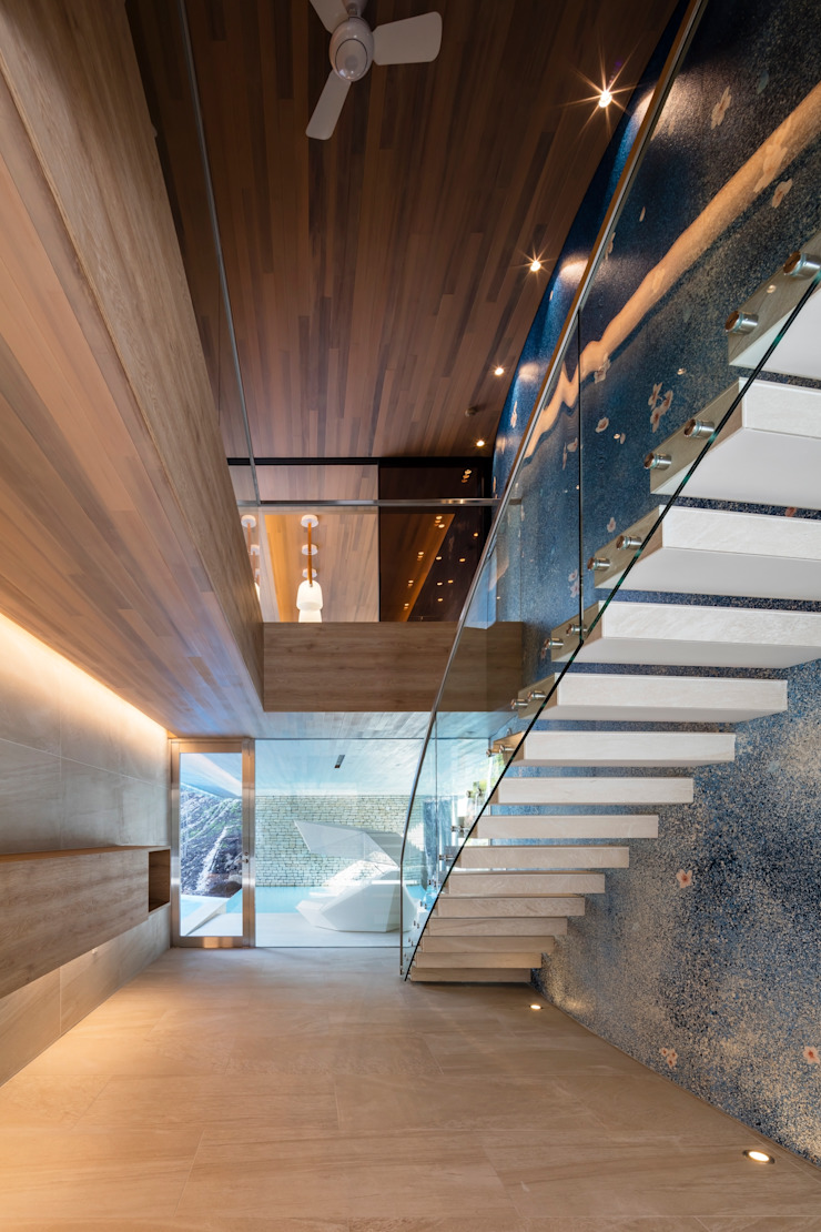 Couloir, entrée, escaliers modernes par Mアーキテクツ|高級邸宅 豪邸 注文住宅 別荘建築 LUXURY HOUSES | M-architects Moderne Béton