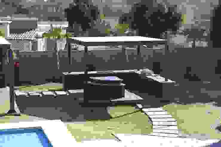 VISTA DE ASADOR Jardines minimalistas de Acrópolis Arquitectura Minimalista