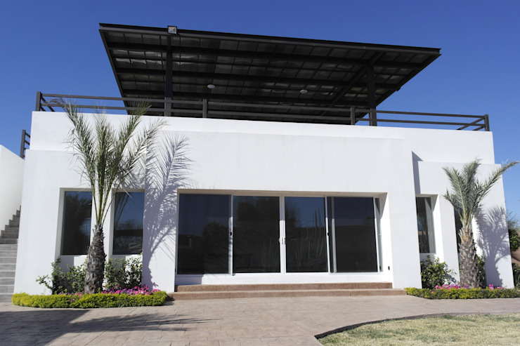 FACHADA Casas minimalistas de Acrópolis Arquitectura Minimalista