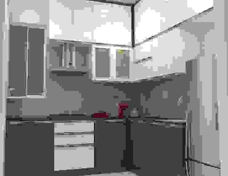Shriyans Apartment Pune—Mr Ashish Modern kitchen by DECOR DREAMS Modern