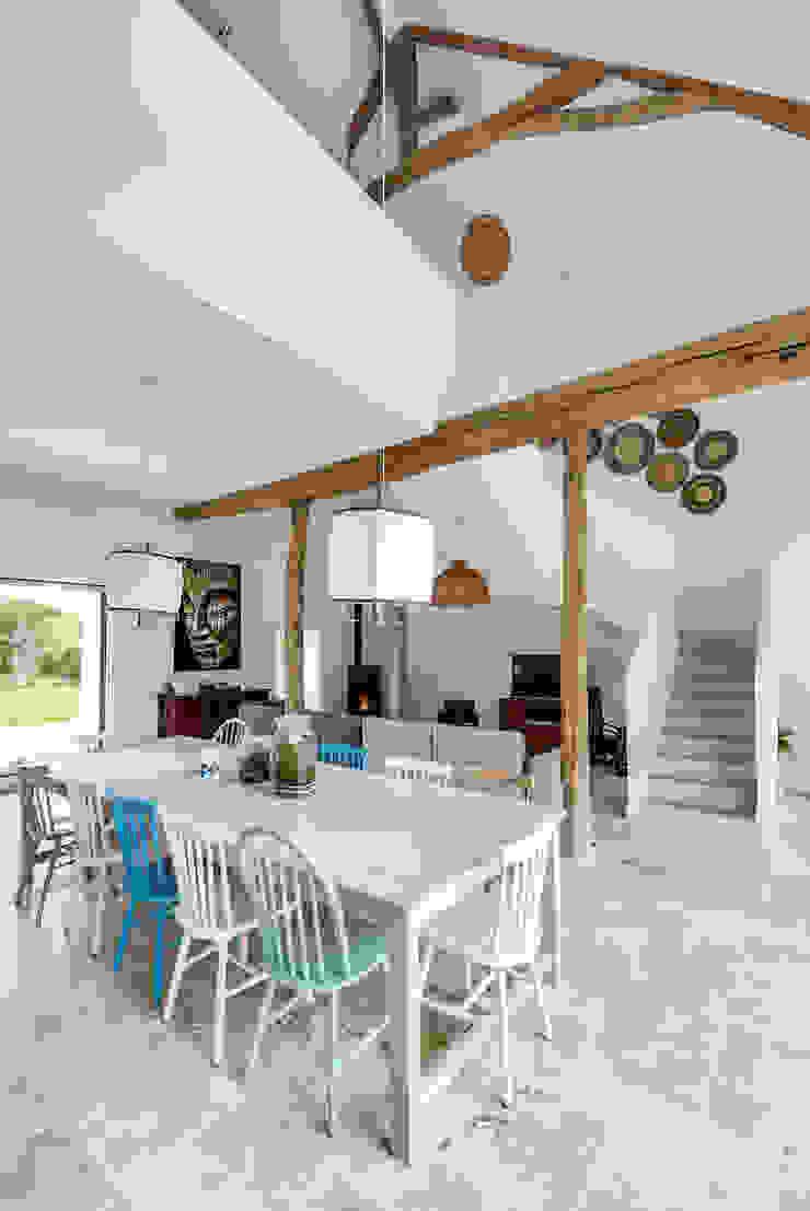 blackStones Scandinavian style dining room