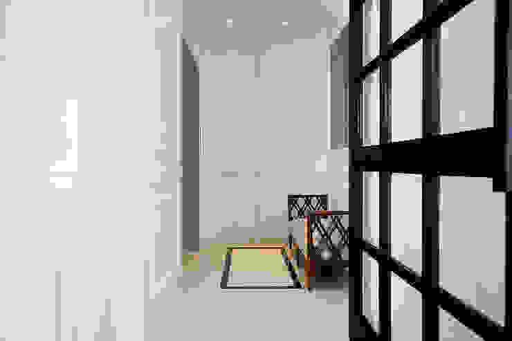 Senopati Suites Apartment Balkon, Beranda & Teras Klasik Oleh High Street Klasik