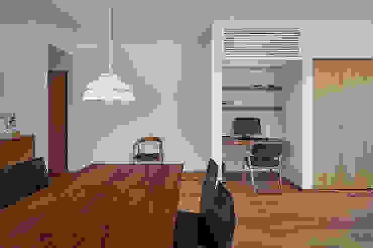 toki Architect design office Modern Living Room Wood White