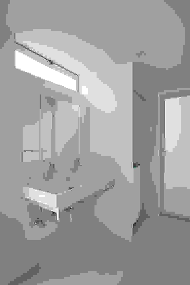 toki Architect design office Modern Bathroom Wood White