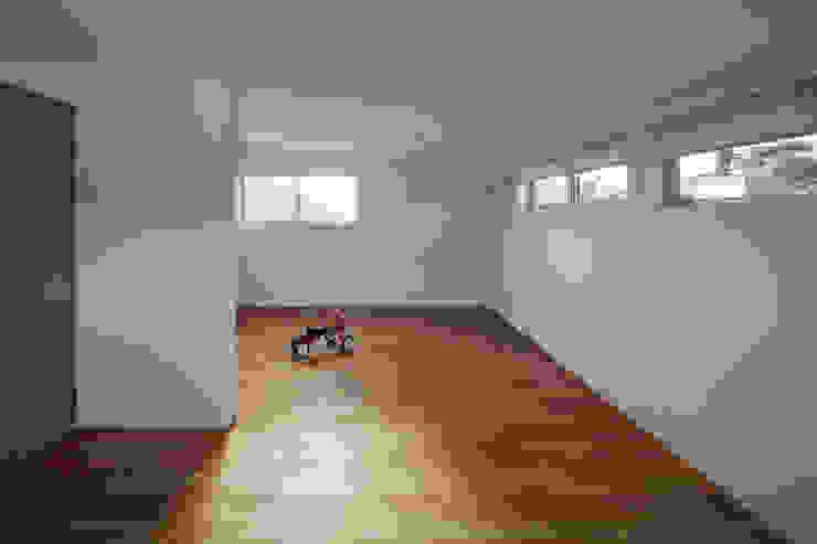 toki Architect design office Modern Kid's Room Wood White