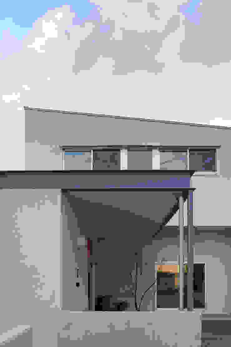 toki Architect design office Modern Houses Iron/Steel Grey