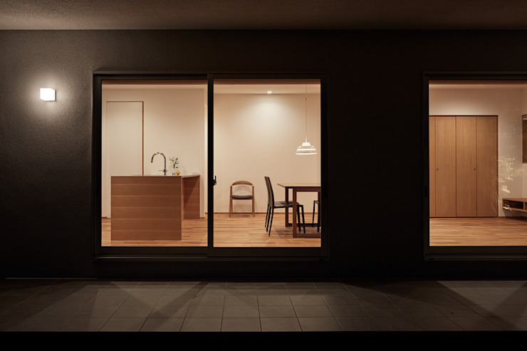 toki Architect design office Modern Windows and Doors Glass Brown