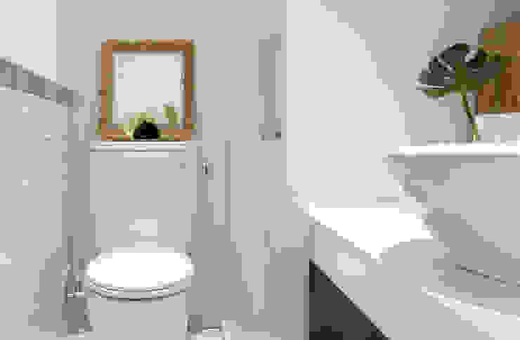 Baños escandinavos de 磨設計 Escandinavo Azulejos