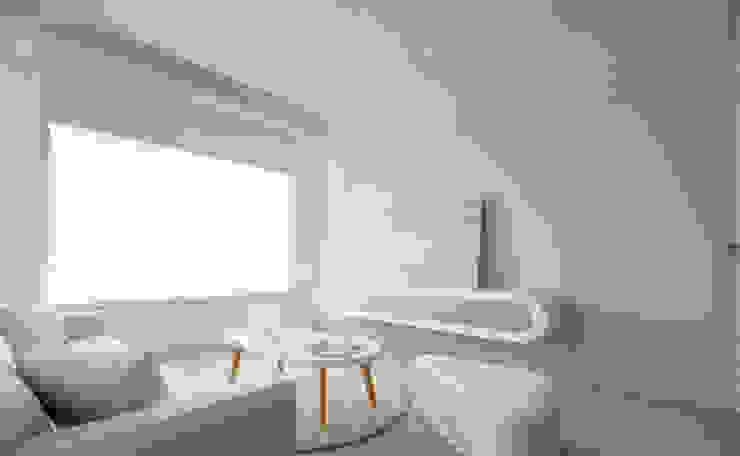 Skandinavische Wohnzimmer von 磨設計 Skandinavisch