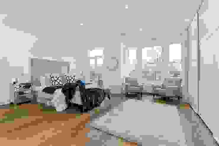 House renovation, house extension Stevenage Road SW6 Modern Bedroom by House Renovation London Ltd Modern